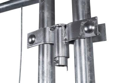 10010.1 – hinge gate